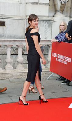 Share, rate and discuss pictures of Marion Cotillard's feet on wikiFeet - the most comprehensive celebrity feet database to ever have existed. Marion Cottillard, French Actress, Celebrity Feet, Peplum Dress, Actresses, Chic, Celebrities, Beautiful, Fashion