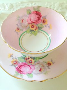 Antique English Paragon By Appointment to Her Majesty the Queen Fine Bone China Teacup & Saucer Duo Double Warrant Mark Ca. 1939 - 1949