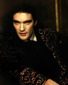 Young Antonio Banderas as Armand in Interview with the Vampire Real Vampires, Vampires And Werewolves, Anne Rice Vampire Chronicles, Lestat And Louis, Vampire Pictures, Interview With The Vampire, Fantasy Male, Creatures Of The Night, Actrices Hollywood