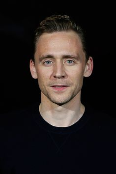 Tom Hiddleston at the Social Movie Night at the IMAX Sony Center in Berlin on September 29th, 2015. Source: https://www.facebook.com/SocialMovieNight/photos/a.615057228636096.1073741845.430644260410728/615059171969235/?type=3&theater