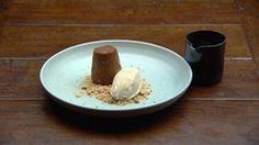 Drunken sticky date This impressive sticky date pudding recipe is accompanied with a sweet cinnamon ice cream and whiskey cinnamon caramel. Masterchef Recipes, Sticky Date Pudding, Cinnamon Ice Cream, Caramelised Apples, Masterchef Australia, Date Recipes, Pudding Recipes, Tray Bakes, Good Food