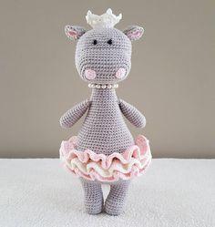 """91 gilla-markeringar, 11 kommentarer - Kristine (@susurikids) på Instagram: """"Oda the Princess Original pattern by @littlehappycrochet .I added more skirt and put the crown…"""""""