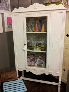 Gorgeous glass door armoire $225
