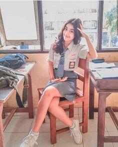 bebyseni . ________________________________________________ Kamu mau dipromote juga? syaratnya wajib follow semua instagram dibawah… Cute Young Girl, Cute Girls, School Girl Dress, Indonesian Girls, High School Girls, Cute Girl Photo, How To Make Shorts, Western Outfits, Beautiful Asian Girls