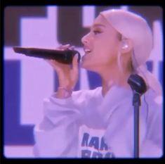 Ariana Grande Tumblr, Ariana Grande Singing, Ariana Grande Music Videos, Ariana Grande Cute, Ariana Grande Photoshoot, Ariana Grande Pictures, Ariana Geande, Ariana Video, Ariana Grande Wallpaper