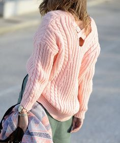 Chicwish V-Shape front and back cable knit sweater in pink