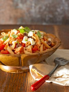Easy, Healthy Pasta Recipes That Will Remind You Eating Carbs Can Be Good for You Healthy Low Calorie Meals, Healthy Pasta Recipes, Healthy Pastas, Low Calorie Recipes, Vegetable Recipes, Healthy Eating, Cooking Recipes, Yummy Recipes, Dinner Party Recipes