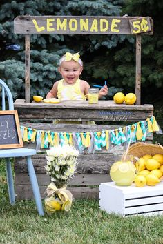 Moements Photography Lemonade Stand Mini Sessions! Purchase the garland on the link below!  Lemonade Stand. Summer Fun
