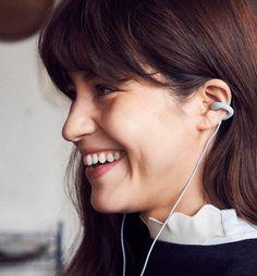 圖片來源: ambie現在隨身耳機多數採用封閉式入耳設計,越來越少採用耳塞式設計,不過對一些消費者來說,他們會希望能夠在聆聽音樂的同時,還是可清楚地聽到外界的聲音;而 Sony 影音部門與 WiL (...