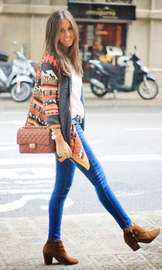 Love the sweater & boots. Fall/winter