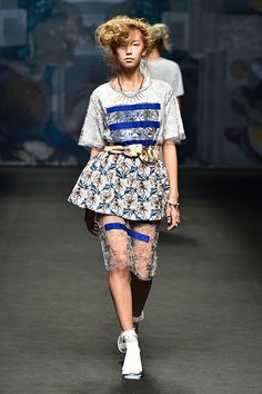 Seoul Fashion Week Beckons Kpop Fashionistas | Koogle TV