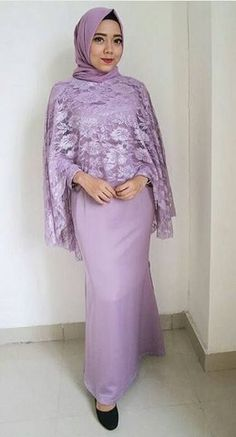New dress hijab party brokat Ideas Kebaya Muslim, Kebaya Modern Hijab, Kebaya Hijab, Muslim Dress, Hijab Dress Party, Hijab Wedding Dresses, Bridal Dresses, Bridesmaid Dresses, Batik Fashion
