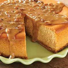 Maple Pumpkin Cheesecake. All the best flavors in one! Try this delicious fall recipe out! #Cheesecake #MapleSyrup #Pumpkin