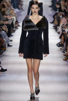 Sfilata Christian Dior Parigi - Collezioni Autunno Inverno 2016-17 - Vogue