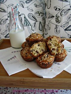 Caru's Bakery: Oatmeal chocolate chip Muffin