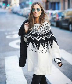 Knitting Patterns Wear What to wear in winter? Top images for the winter of years old Knitwear Fashion, Cardigan Fashion, Knit Fashion, Fair Isle Pullover, Crochet Mittens Pattern, Icelandic Sweaters, Winter Tops, Cardigan Pattern, Knitting Designs