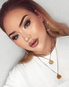 """709.7k Likes, 4,745 Comments - NikkieTutorials (@nikkietutorials) on Instagram: """"pssst! there's a new video up on my channel!  link in bio! ____ lashes: @__dollbeauty_ """"Kimberly""""…"""""""