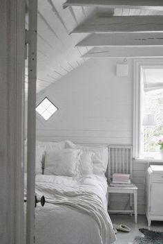 Med lite pirr i magen så vill jag önska er varmt välkomna! Nordic Lights, Bed And Breakfast, My Dream Home, The Hamptons, House Styles, Interior, White Stuff, Bedtime Stories, Furniture