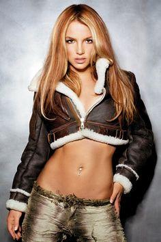 Britney Spears on actressbrasize.com  http://actressbrasize.com/2014/06/05/britney-spears-bra-size-body-measurements/
