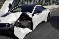 image of BMW i8 crash thailand 750x500