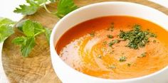 Endive and Tomato Soup - Recipes - Endive and tomato soup / Ingredients for 4 people / 8 endives, 2 tomatoes 60 cl chicken broth, 20 c - Tomato Soup Ingredients, Tomato Soup Recipes, Healthy Soup Recipes, Veggie Recipes, Endive Recipes, Cooking Recipes, Quick And Easy Soup, Winter Dinner Recipes, Recipes Dinner