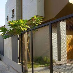Borderline #atelierriri Grill Gate Design, Modern Wood Furniture, Architectural House Plans, Eco Friendly House, House Roof, Modern Architecture, Entrance, House Design, Building