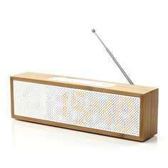 lexon, Clock Radio Bamboo, antenna, mp3, retro radio clock