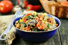 Mixed Veggie Quinoa with Spinach, Garlic, Tomatoes and Chickpeas
