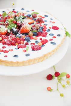 Wild Berries and Yogurt Tart