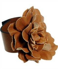VALENTINO LEATHER FLOWER BRACELET