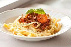 Spaghetti Bolognese, ein tolles Rezept aus der Kategorie Kochen. Bewertungen: 371. Durchschnitt: Ø 4,6.