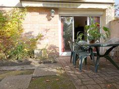 Votre agent immobilier indépendant Pascal APPARIGLIATO vous propose à la vente à TOULOUSE quartier Ancely Purpan cette Maison T5 fonctionnelle et entretenue d'environ 98 m² habitables avec garage et petit jardin. Contactez Pascal Apparigliato au 0659365939.