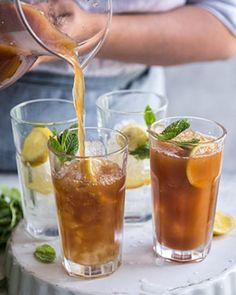 A non-alcoholic twist on the Long Island Tea cocktail classic, this iced tea is full of flavour with a tart citrus finish ‰ÛÒ perfect as mocktail or mixer. Alcoholic Iced Tea, Non Alcoholic Cocktails, Tea Cocktails, Healthy Cocktails, Long Island Tea, Long Island Iced Tea Recipe, Winter Drinks, Summer Drinks, Refreshing Drinks