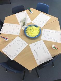 : Chicken and Duck Continuous Provision Preschool Classroom, Preschool Art, Classroom Activities, Kindergarten, Farm Animal Crafts, Farm Crafts, Farm Activities, Preschool Activities, Finger Gym