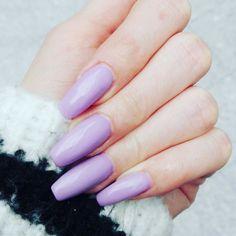 Lila violet coffin nails