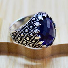 Stunning Fine Sapphire Ring selections just for you Mens Silver Jewelry, Gold And Silver Rings, Rose Gold Jewelry, Diamond Jewelry, Handmade Rings, Handmade Jewelry, Handmade Silver, Stone Ring Design, Mens Gemstone Rings