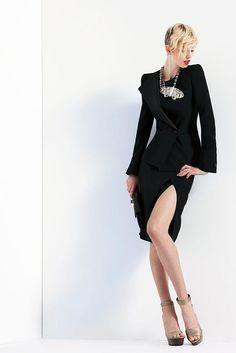 Giorgio Armani Resort 2011 Collection Photos - Vogue
