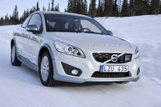 Volvo V30 Electric being tested in Swedish winter.