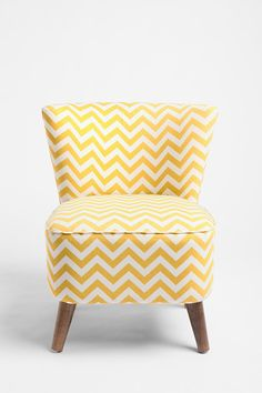 Ziggy Chair from Urban Outfitters - Gerepind door www.gezinspiratie.nl #woonspiratie #interieurtips #woonkamer