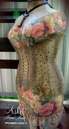 Photo: This Photo was uploaded by pasjadecoupage. Find other pictures and photos or upload your own with Photobucket free image and vi. Mannequin Art, Dress Form Mannequin, Vintage Mannequin, Art Vintage, Vintage Beauty, Vintage Sewing, Lovely Dresses, Vintage Dresses, Mannequins