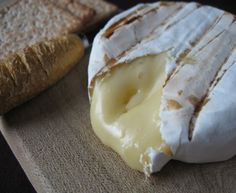 This New York City Restaurant Makes Refined Vegan French Cuisine Possible Fromage Cheese, Queso Cheese, Wine Cheese, Camembert Cheese, Soft French Cheese, Churros, Camembert Recipes, Tostadas, Artisan Cheese