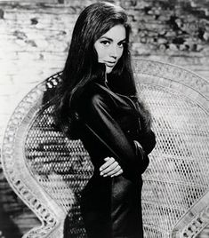 Linda Harrison - Nova Planet of the Apes Linda Harrison, 70s Sci Fi Art, Marvel Cosplay, Weird Science, Thing 1, Planet Of The Apes, Classic Beauty, Vintage Beauty, Actors & Actresses