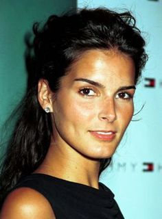 Angie Harmon- natural beauty