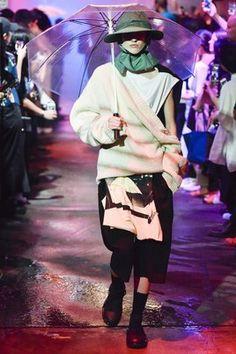 Raf Simons Spring 2018 Menswear Fashion Show Collection