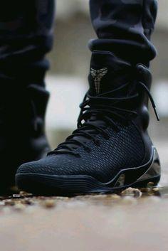 "Nike Kobe 9 EXT KRM ""Black Mamba"""
