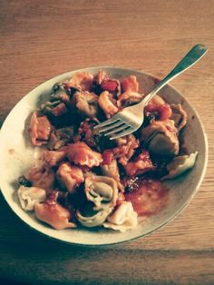 The easiest, fastest, most delicious pasta sauce ... From scratch! Olive oil, fresh crushed garlic, salt, pepper, sugar, tomato paste, water, fresh chopped mushrooms and tomatoes, & Italian spices!!!! Yummmmmmy