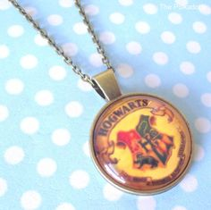 Yellow Hogwarts School Crest Round Cabochon Necklace Pendant HP Harry Potter…