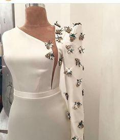 haute couture fashion Archives - Best Fashion Tips Elegant Dresses, Beautiful Dresses, Nice Dresses, Dresses Dresses, Couture Dresses, Look Fashion, Fashion Details, Cheap Fashion, Fashion Women