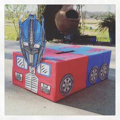 Transformers Optimus Prime Valentine Box. Valentine Day Boxes, My Funny Valentine, Valentines For Boys, Valentine Crafts, Gift Wrap Box, Crafts To Do, Crafts For Kids, Diy Valentine's Box, Diy For Kids
