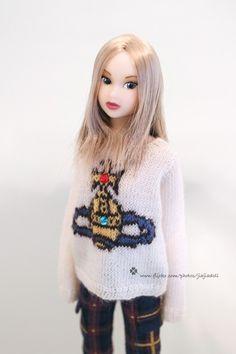 Etsy で見つけた素敵な商品はここからチェック: https://www.etsy.com/jp/listing/58210165/jiajiadoll-hand-knitting-vivienne